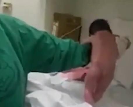 【视频】婴儿刚生就想学走引网友热议