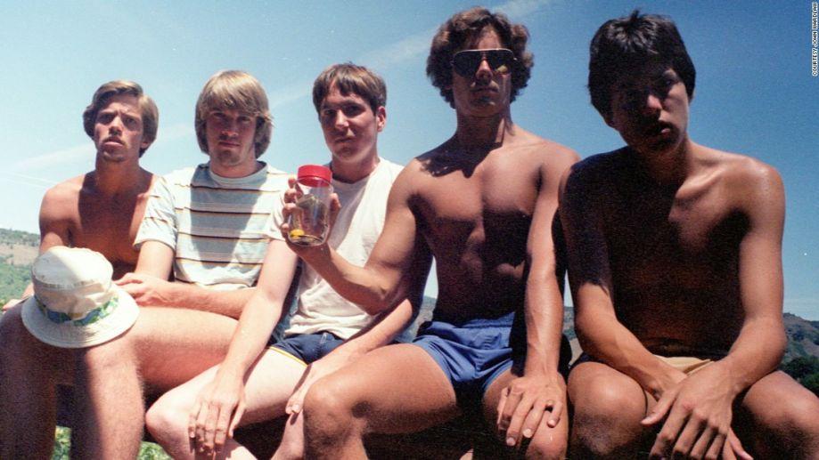 友谊的岁月可以这样记录:5个美国人合影坚持35年