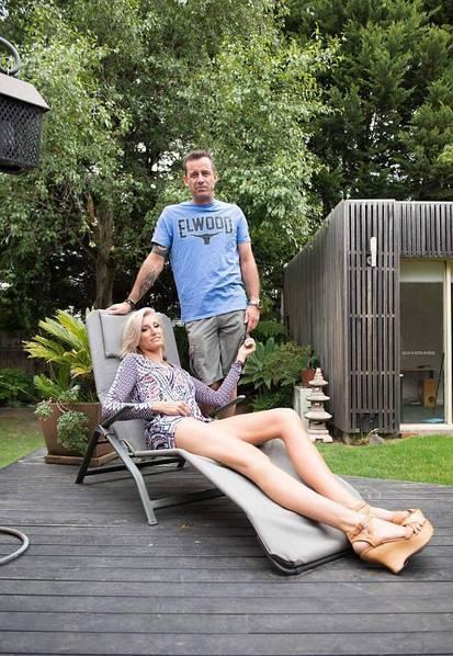 39岁Caroline Arthur 世界上第二长腿的人