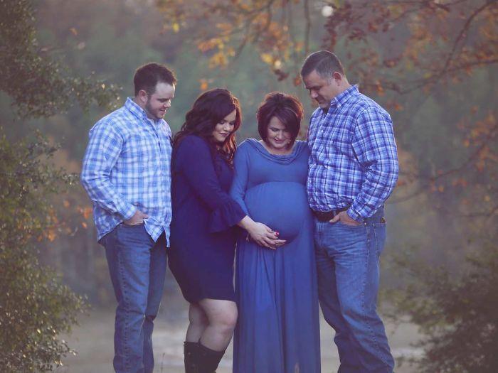 50岁母亲替子女代孕 美国这位妈妈为了女儿也是拼了