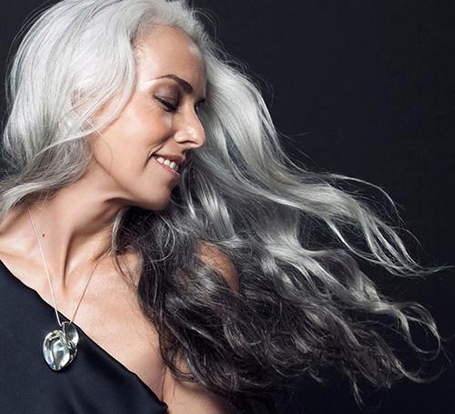 60奶奶最美逆生长:头发都白了还这么美