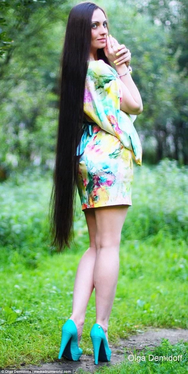 俄罗斯:长发公主秀1.5米长发 分享护发秘诀