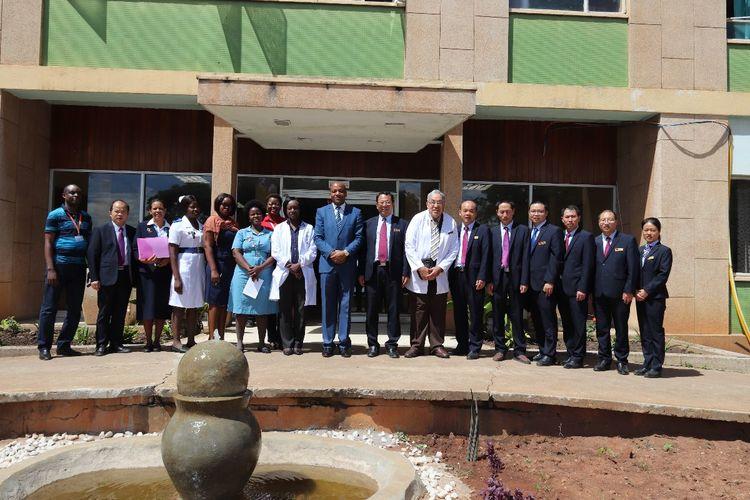 再续中赞友谊 中国援赞比亚第19批医疗队清明节活动纪实
