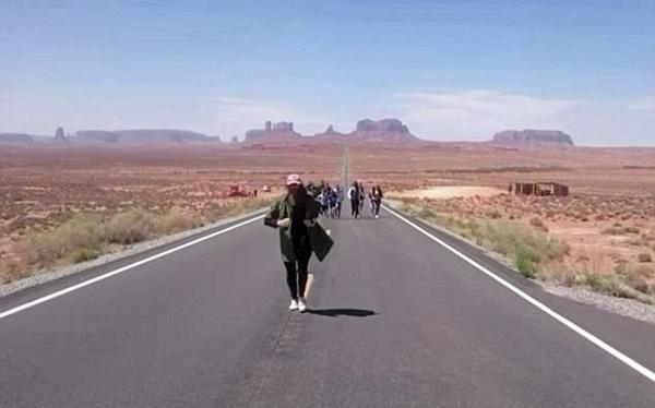 英男子跑步横穿美国后成功向女友求婚