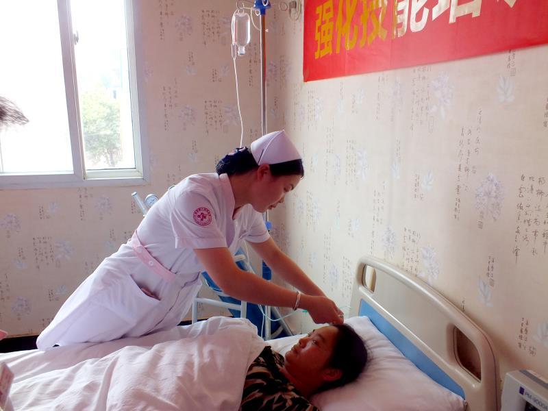 南阳丽人妇科医院开展急救技能培训