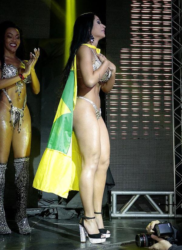巴西美臀小姐落选者扯走冠军绶带:她们都是硅胶臀